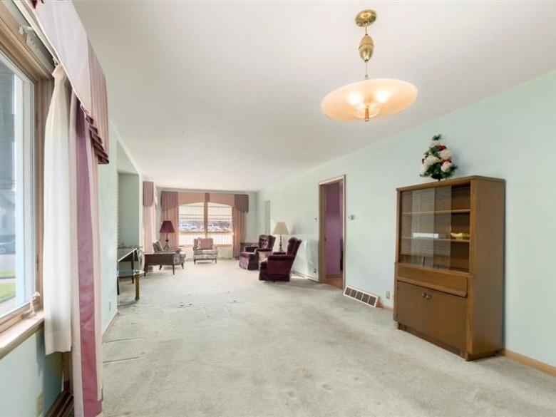 1517 N 17th St, Sheboygan, WI by Shorewest Realtors, Inc. $109,900