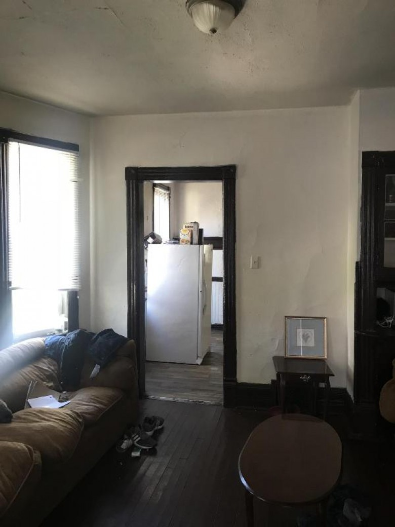 3359 N 10th St, Milwaukee, WI by Orange Group Llc $42,000