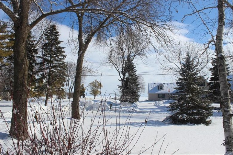6972 S State Road 45, Oshkosh, WI by Re/Max Heritage $205,000