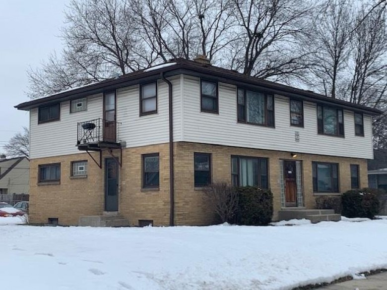 5649 N 95th St, Milwaukee, WI by Coldwell Banker Realty $194,900