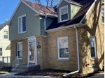 5672 N 40th St, Milwaukee, WI by Re/Max Lakeside-27th $159,900