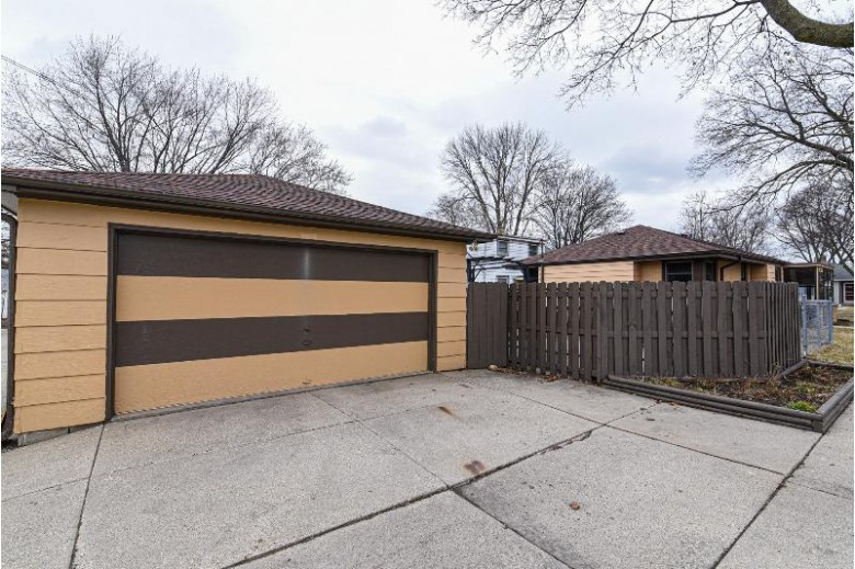 4501 N 56th St, Milwaukee, WI by Homestead Realty, Inc~milw $119,900