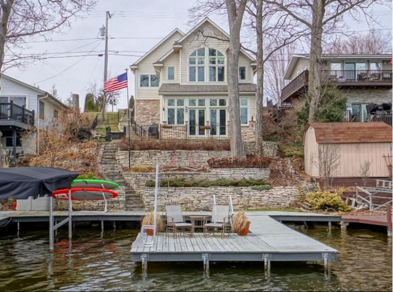 W352N5286 Lake Dr, Oconomowoc, WI by Lake Country Flat Fee $687,000