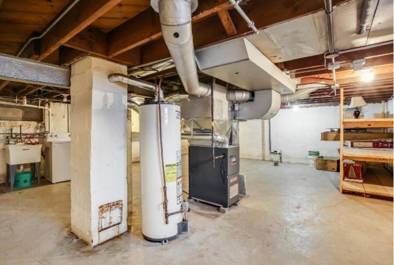 5717 38th Ave, Kenosha, WI by Re/Max Newport Elite $129,900