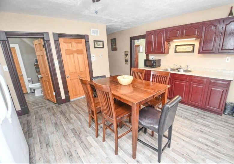 W8702 Rw Townline Rd, Whitewater, WI by Coldwell Banker Elite $196,000