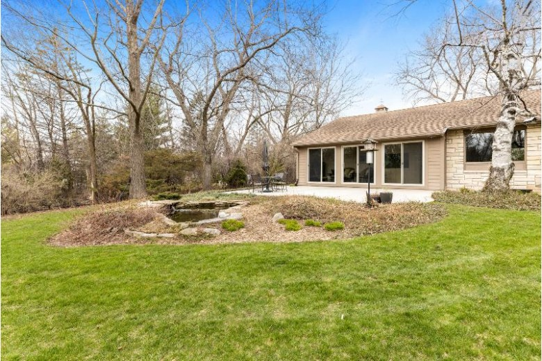 5405 W Hillcrest Dr Mequon, WI 53092-2016 by Realty Executives Integrity~cedarburg $384,900