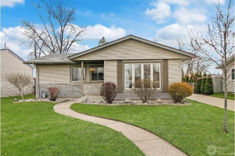 8529 21st Ave, Kenosha, WI by Re/Max Newport Elite $229,900