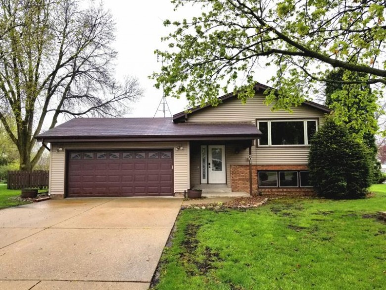 207 Silver Dr, Watertown, WI by Non Mls $217,000