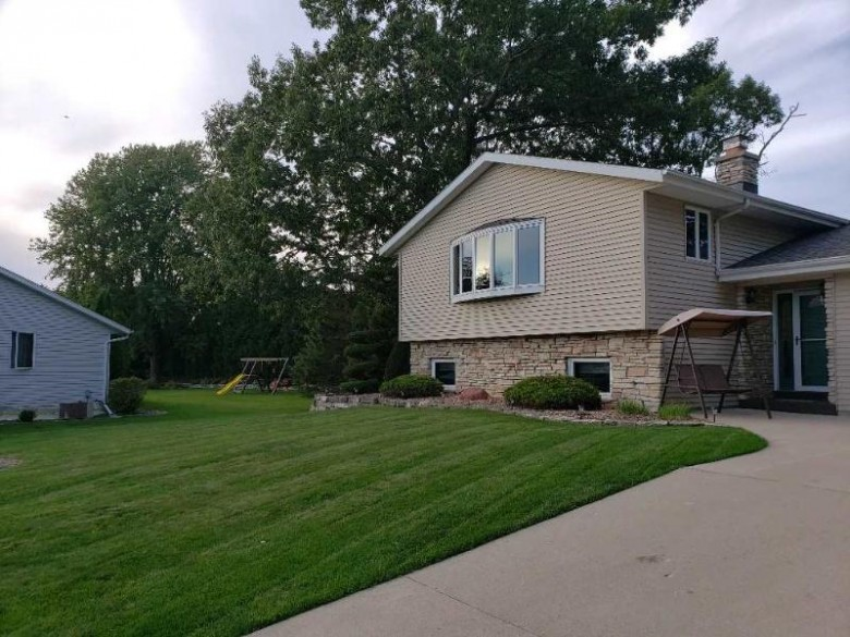 994 W Acorn Street, Lomira, WI by RE/MAX Heritage Kettle Moraine $215,900