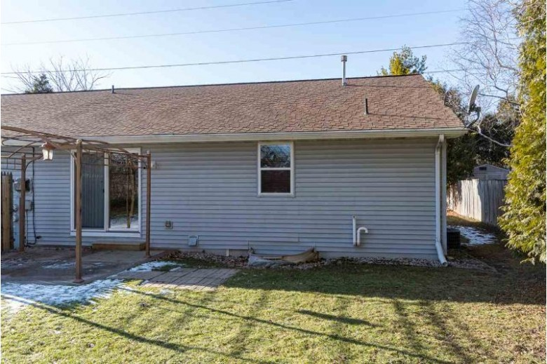 2408 S Kerry Lane, Appleton, WI by Century 21 Affiliated $169,900