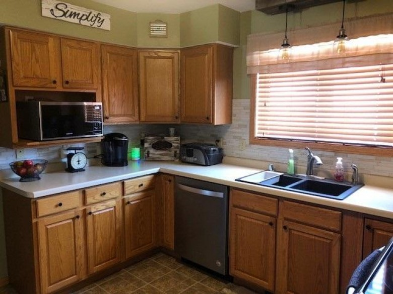 560 Oak Spring Drive, Lomira, WI by Roberts Homes and Real Estate $225,000
