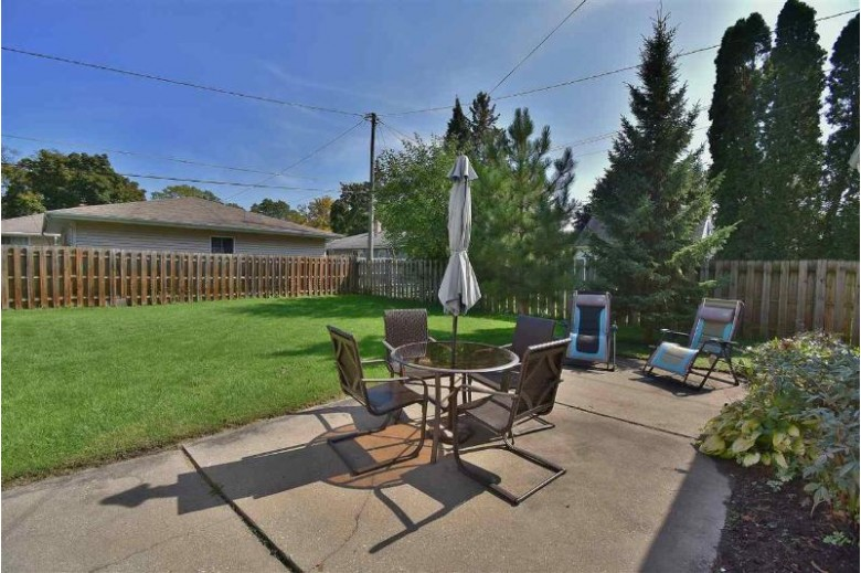 2436 Hickory Lane, Appleton, WI by Coldwell Banker Real Estate Group $124,900
