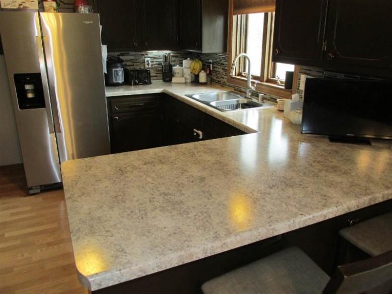 2955 W Hiawatha Drive, Appleton, WI by Century 21 Affiliated $215,000