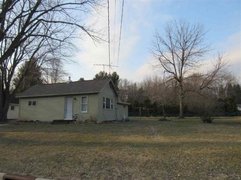 489 Sw Ceresco Street, Berlin, WI by First Weber Real Estate $74,980