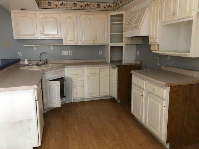 6581 Oak Drive, Amherst, WI by Shambeau & Thern Real Estate, LLC $150,000