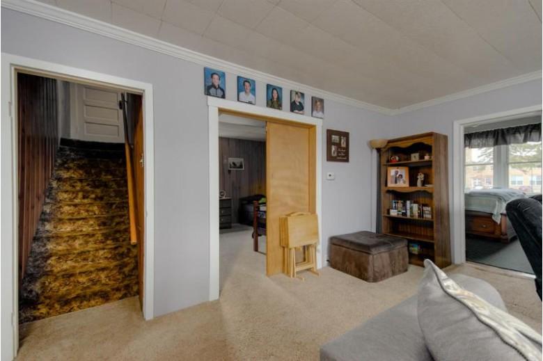 104 E Custer Avenue Oshkosh, WI 54901-3006 by First Weber Real Estate $96,000