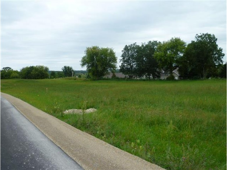 L7 Bass Rd, Cottage Grove, WI by Matson & Assoc., Inc. Real Living $105,900