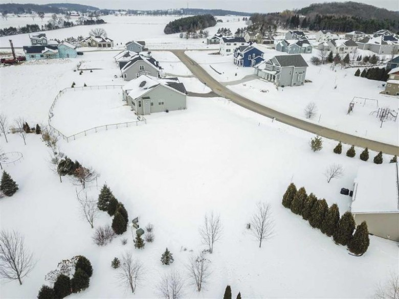 L69 Saddle Ln Lake Mills, WI 53551 by Stark Company, Realtors $72,500