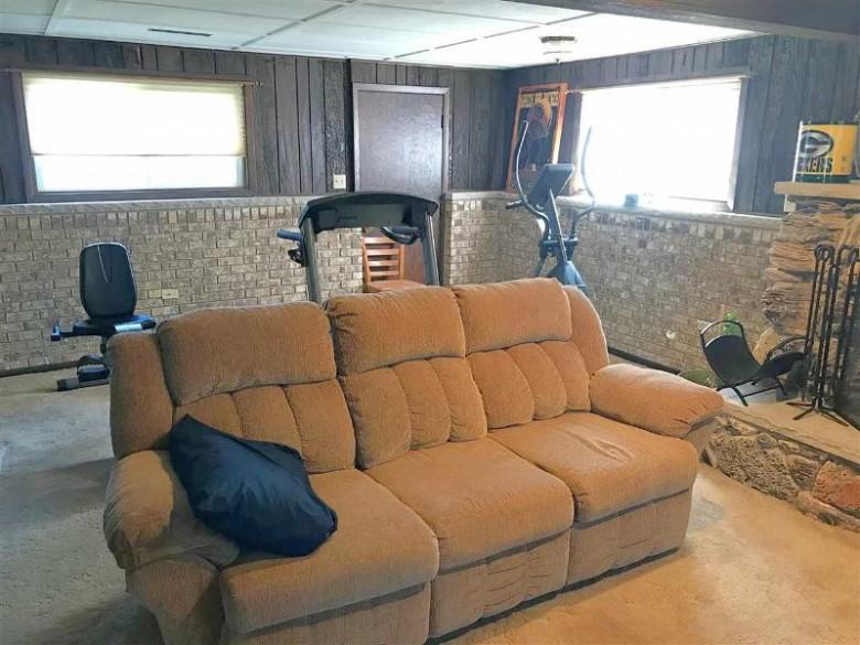 1111 Davis St, Sun Prairie, WI by Realty Executives Cooper Spransy $264,900