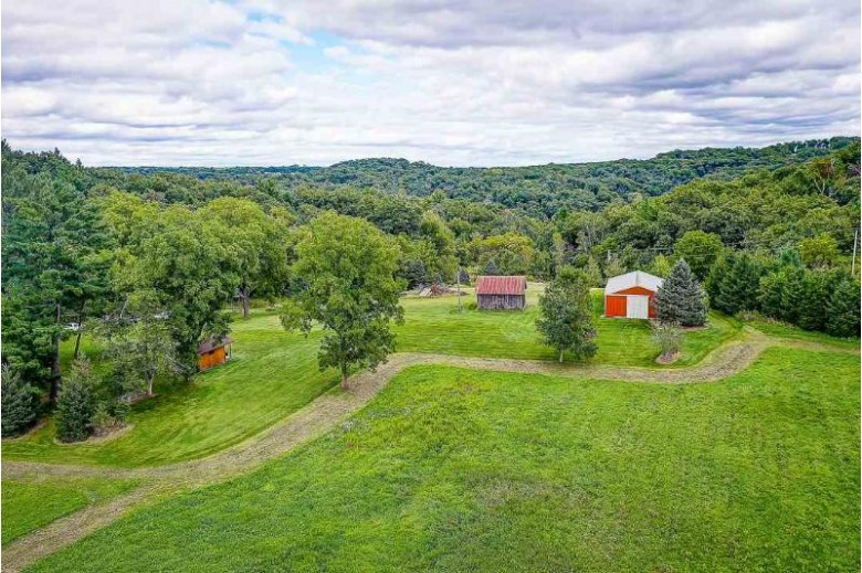 2866 Mt Hope Rd, Dodgeville, WI by The Professional Brokers $179,900