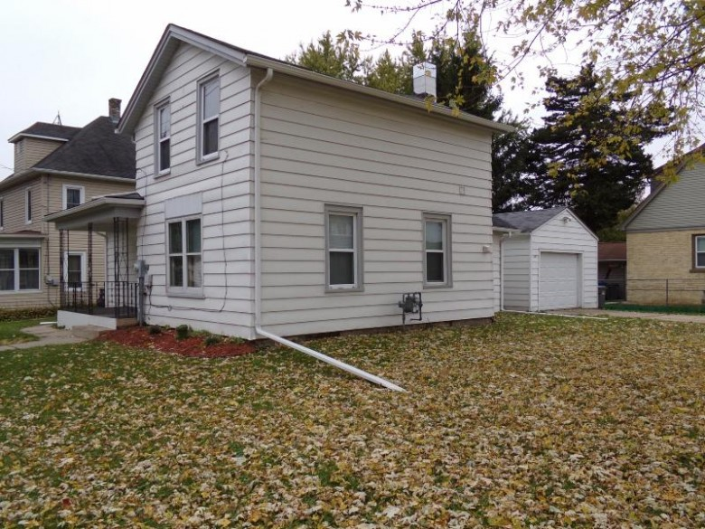 402 S Montgomery St, Watertown, WI by Nexthome Success-Ft Atkinson $119,900