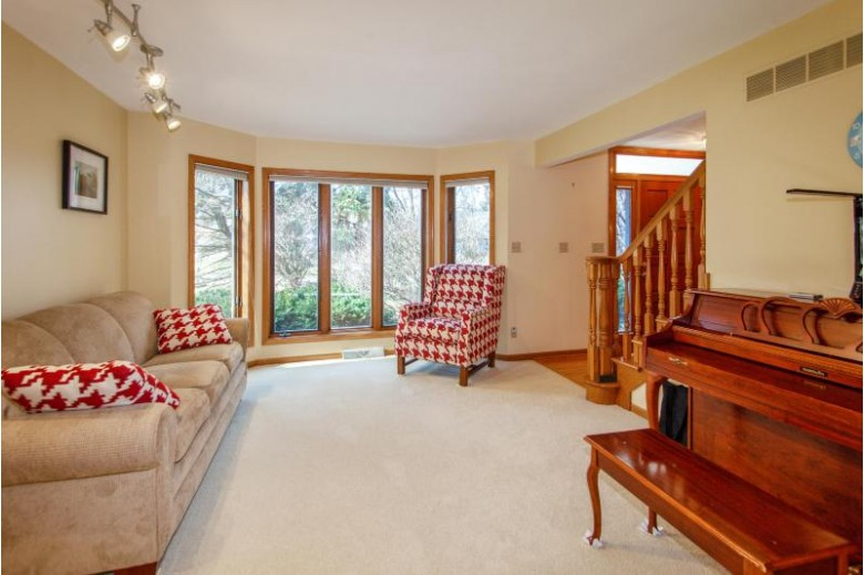 4540 S Sommerset Dr, New Berlin, WI by Coldwell Banker Realty $448,900