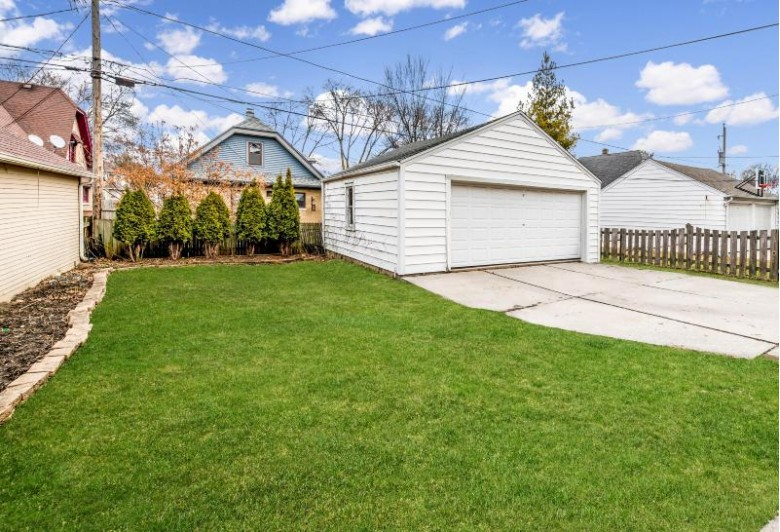2544 Lefeber Ave, Wauwatosa, WI by Keller Williams Realty-Milwaukee North Shore $339,000