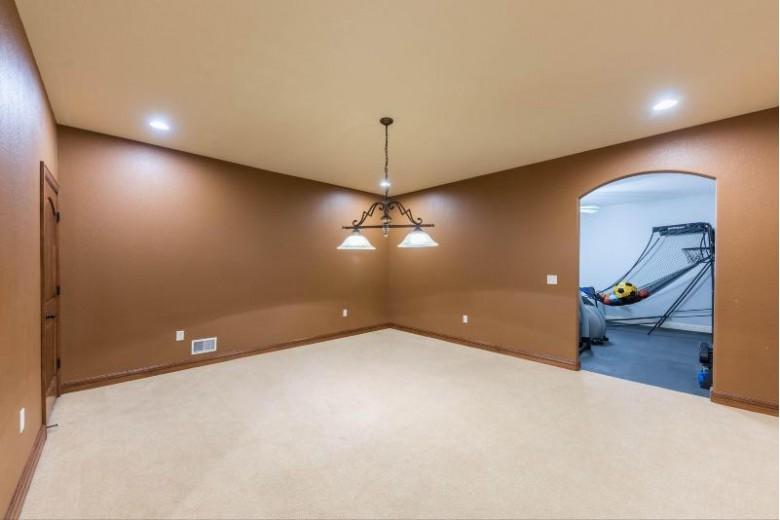 N41W29131 Prairie Wind Cir S, Pewaukee, WI by Re/Max Realty 100 $775,000