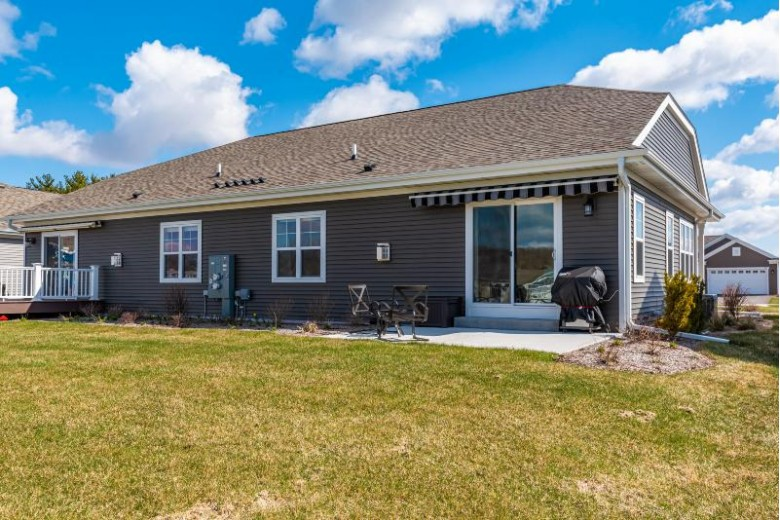 2628 Esker Dr, West Bend, WI by Realty Executives Integrity~cedarburg $290,000
