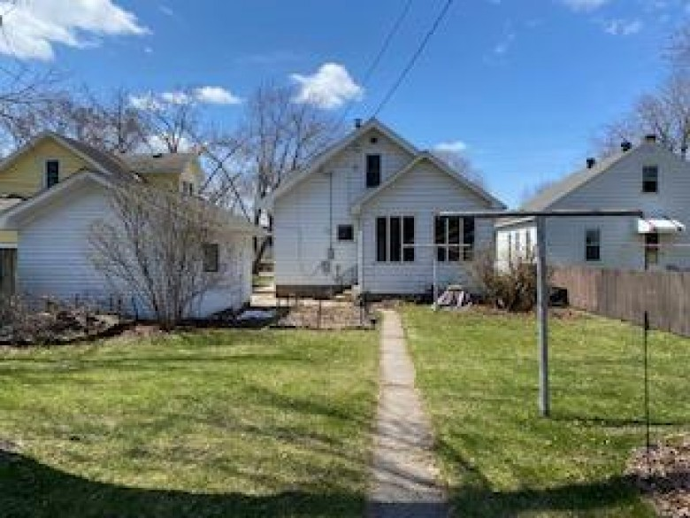 229 23rd St S La Crosse, WI 54601-4348 by Century 21 Affiliated $144,900