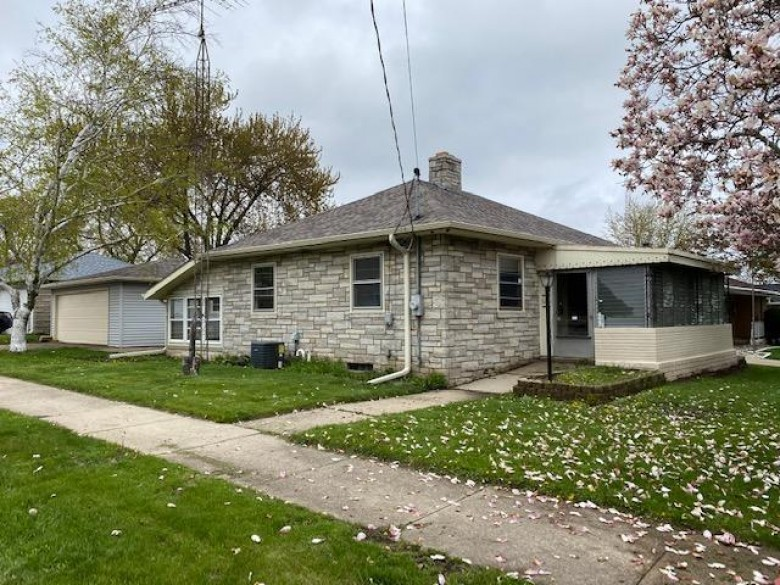4724 60th St, Kenosha, WI by Welcome Home Real Estate Group, Llc $88,750