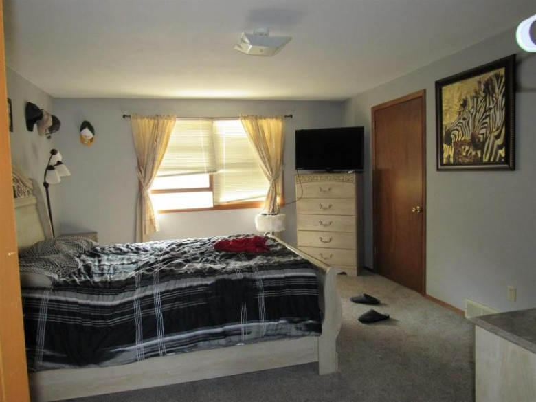 3602 E Edgemere Drive, Appleton, WI by Century 21 Affiliated $184,900