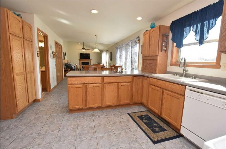 5125 I Ah May Tah Road, Oshkosh, WI by RE/MAX On The Water $429,900