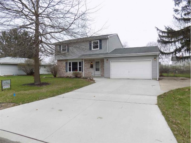 318 Beechwood Dr, Janesville, WI by The Morse Company $205,000
