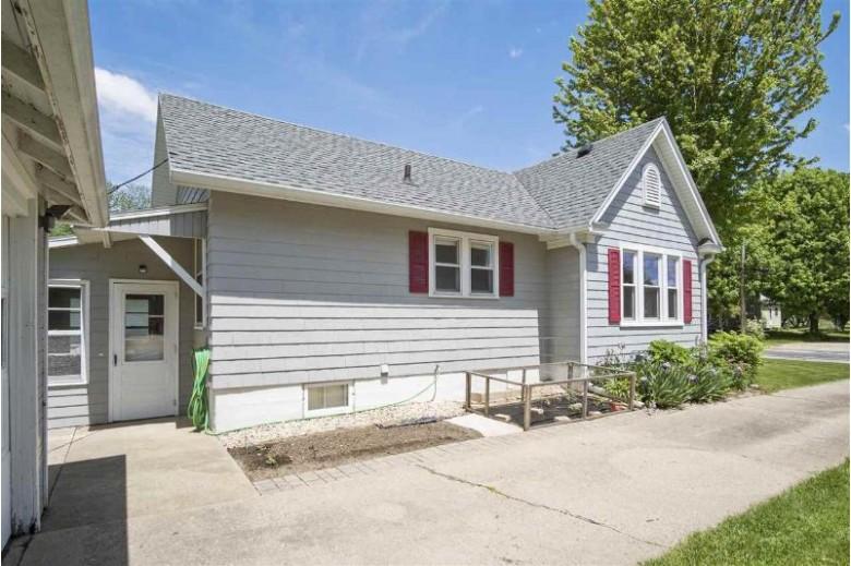 134 Jones St, Sun Prairie, WI by Stark Company, Realtors $135,000