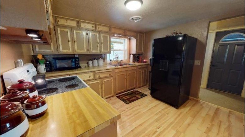 240082 County Road Ww, Wausau, WI by Coldwell Banker Action $139,900
