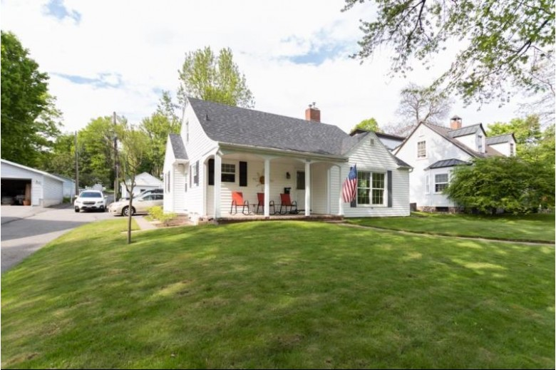 1006 Stewart Avenue, Wausau, WI by Coldwell Banker Action $149,900