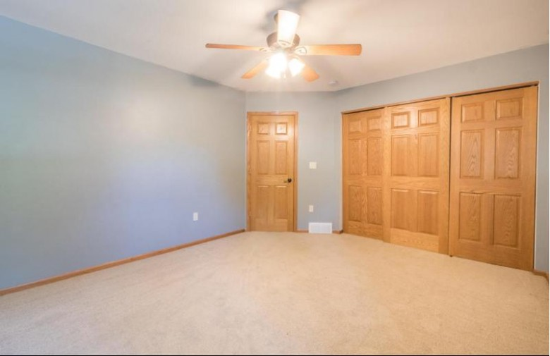 523 Green Bay Rd Thiensville, WI 53092-1311 by The Frugal Broker, Llc $450,000
