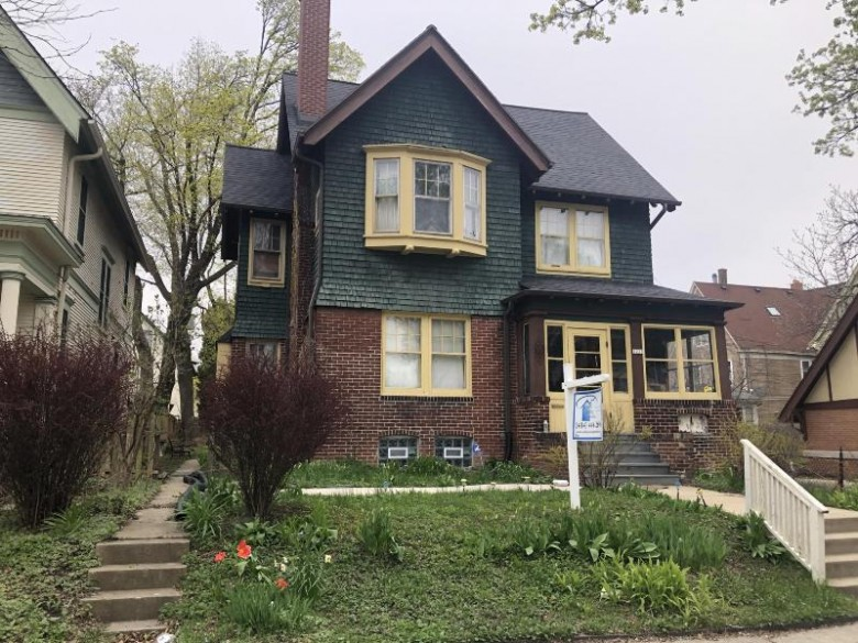 1233 N 28th St, Milwaukee, WI by Realty Among Friends, Llc $124,900