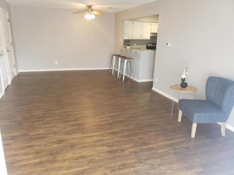 645 Westridge Dr 9, West Bend, WI by Re/Max United - Port Washington $99,900
