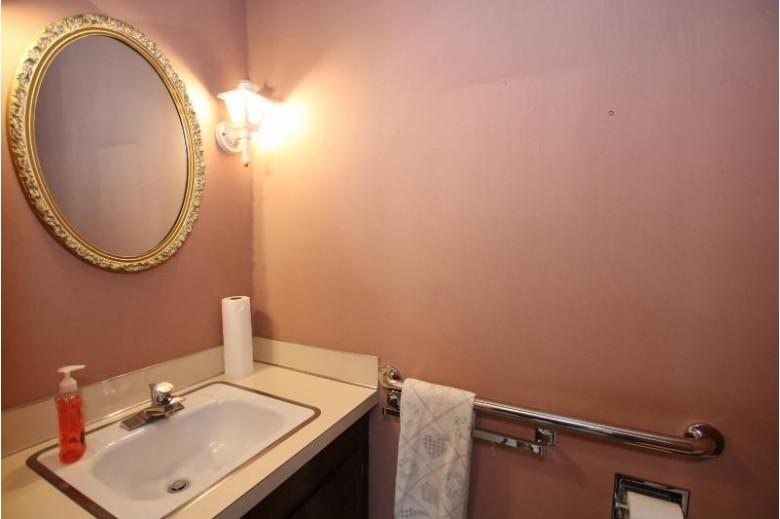 N5437 Glen Echo Rd, Fond Du Lac, WI by Adashun Jones Real Estate $239,900