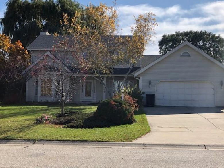 3901 W Cypress Ln Franklin, WI 53132-8791 by Realty Executives Southeast $358,900