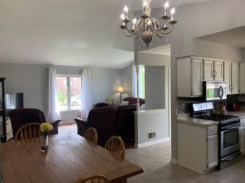3938 W Minnesota Ave Franklin, WI 53132-8763 by Re/Max Lakeside-27th $299,900