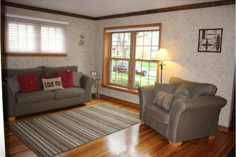 2835 S 45th St, Milwaukee, WI by Landmark Realty, Llc $219,900