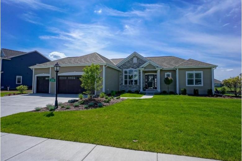 35409 Mineral Springs Blvd, Oconomowoc, WI by Lake Country Flat Fee $504,900