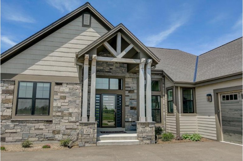 W276N8948 Meadow Ct Hartland, WI 53029 by Point Real Estate $714,900