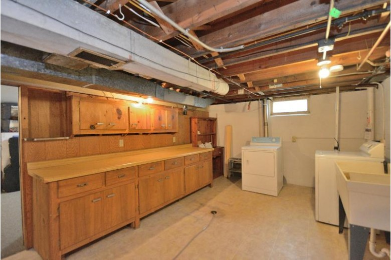 2830 W Minnesota Ave Franklin, WI 53132-8330 by First Weber Real Estate $259,900