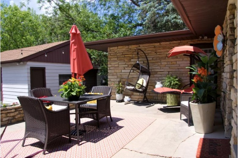 W152S10431 Thode Dr, Muskego, WI by Realty Executives - Integrity $264,000