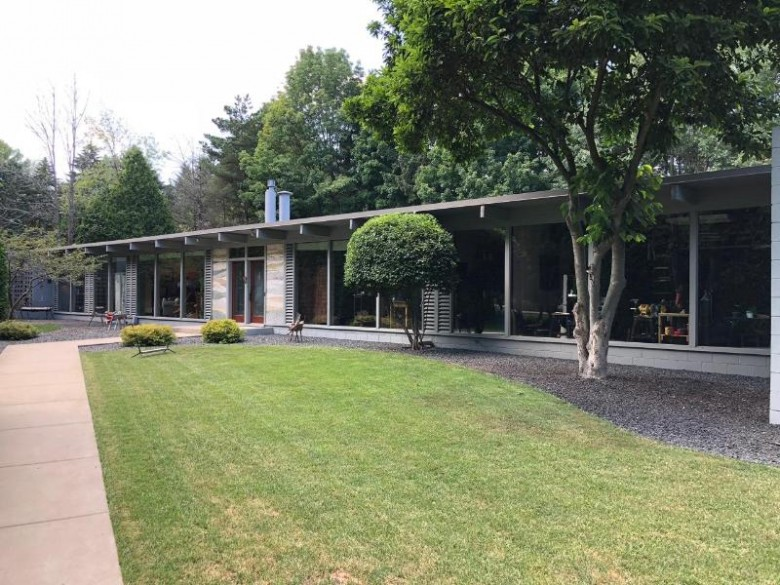 426 E Juniper Ln, Mequon, WI by First Weber Real Estate $395,000