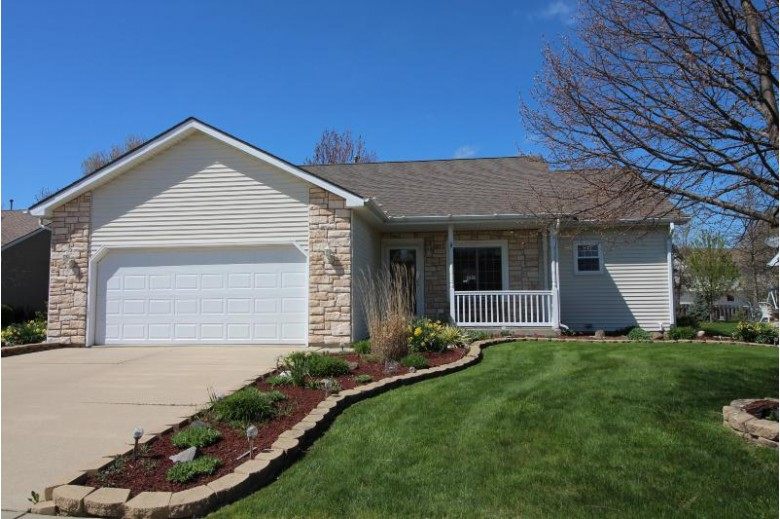 8808 Fox Haven Chase Sturtevant, WI 53177 by Re/Max Newport Elite $269,900